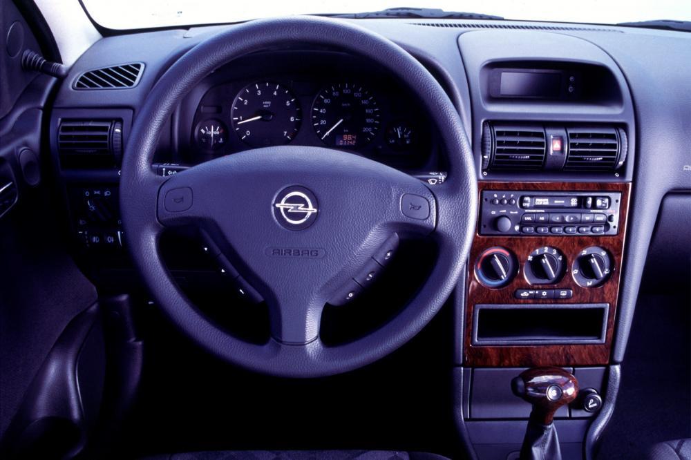 Opel Astra G (1998-2004) Универсал 5-дв. интерьер