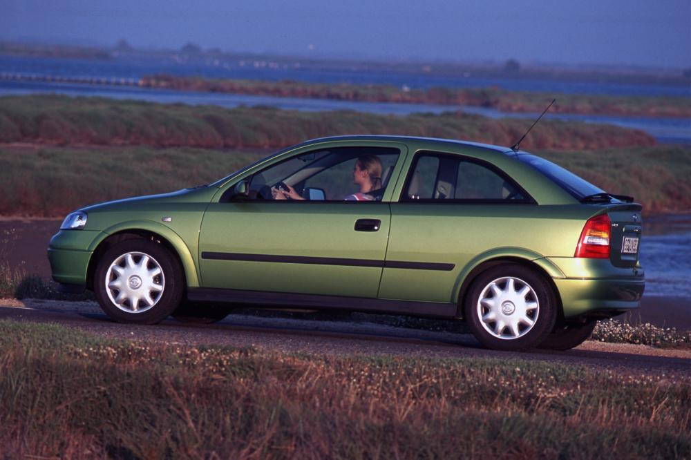 Opel Astra G (1998-2009) Хетчбэк 3-дв.