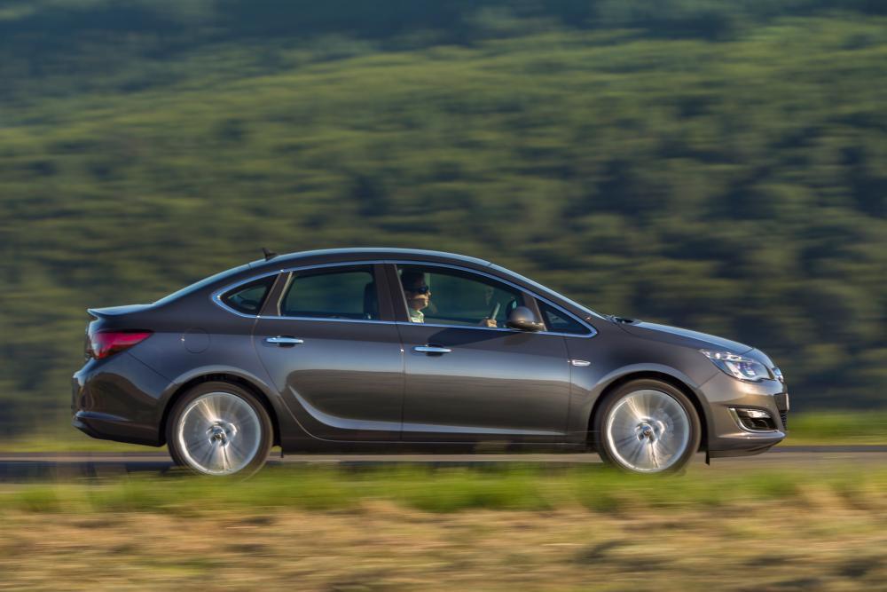 Opel Astra J [рестайлинг] (2011-2018) Седан