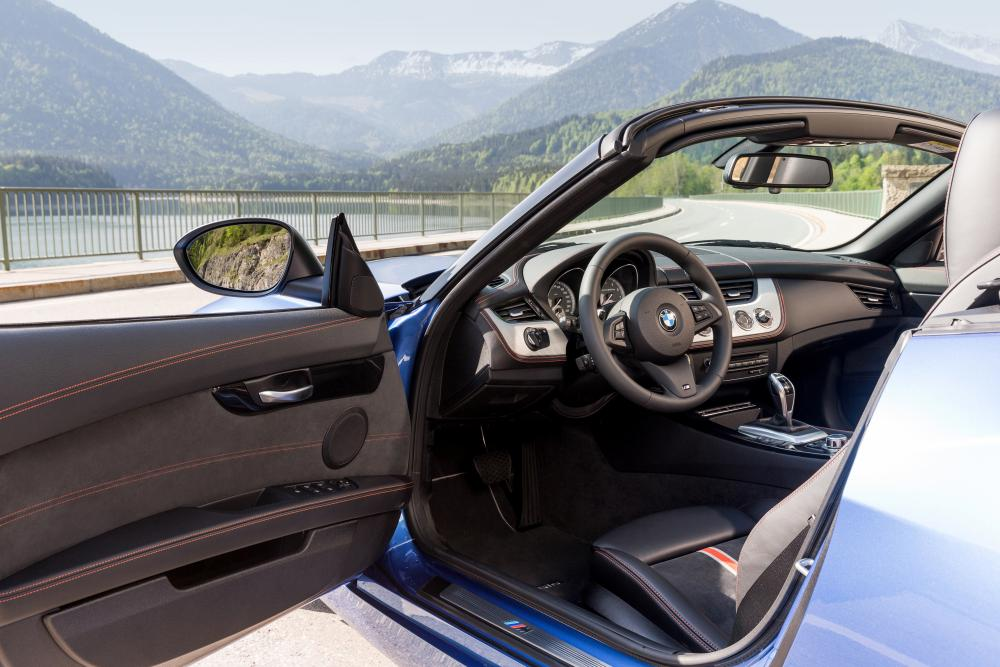 BMW Z4 2 поколение E89 [рестайлинг] (2012-2017) Родстер интерьер