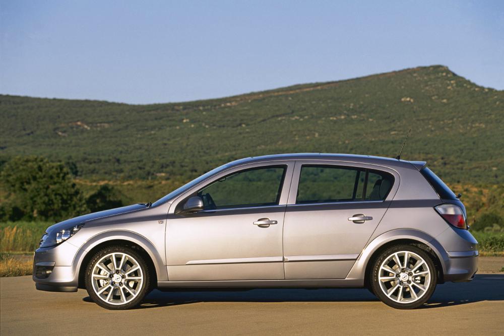 Opel Astra H (2004-2007) Хетчбэк