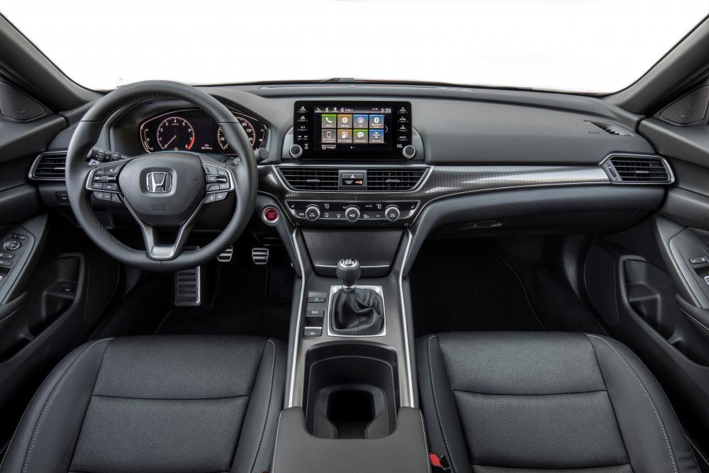 Honda Accord 10 поколение (2017-2020) Седан интерьер