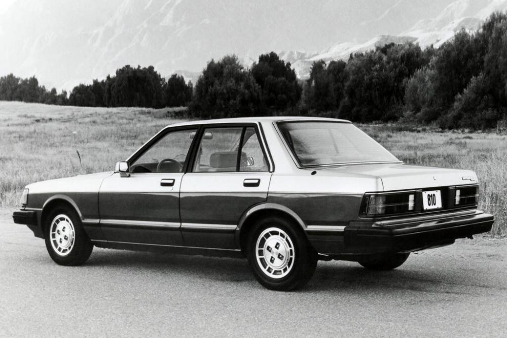 Nissan Maxima 1 поколение (1981-1984) Седан