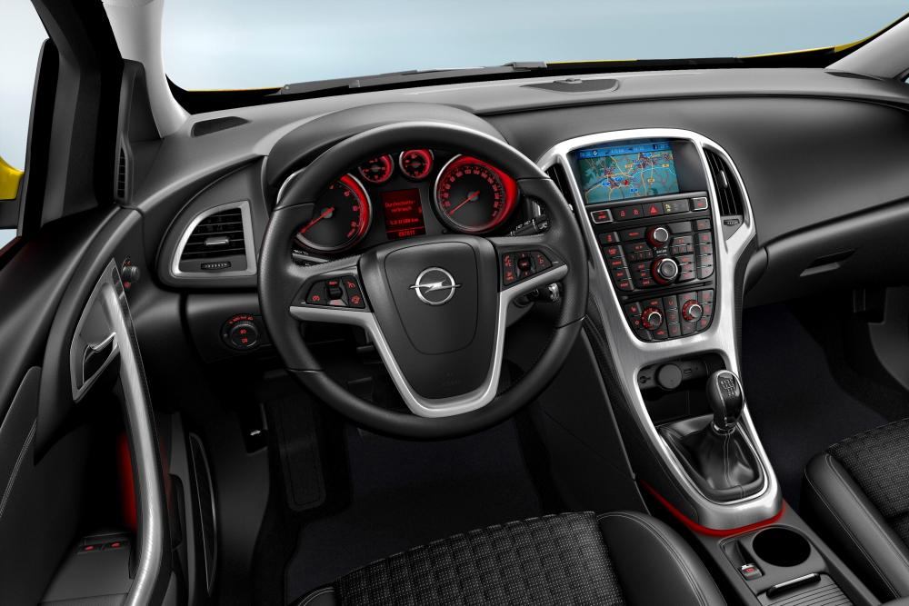 Opel Astra 4 поколение J [рестайлинг] (2011-2015) GTC хетчбэк 3-дв. интерьер