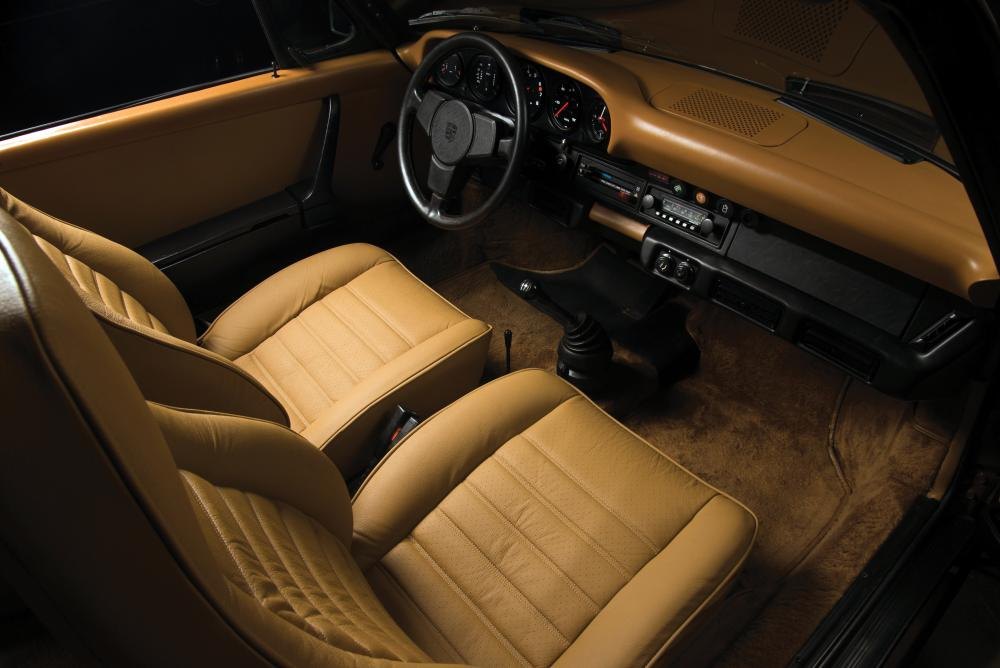 Porsche 911 2 поколение 930 (1974-1989) Тарга Targa интерьер