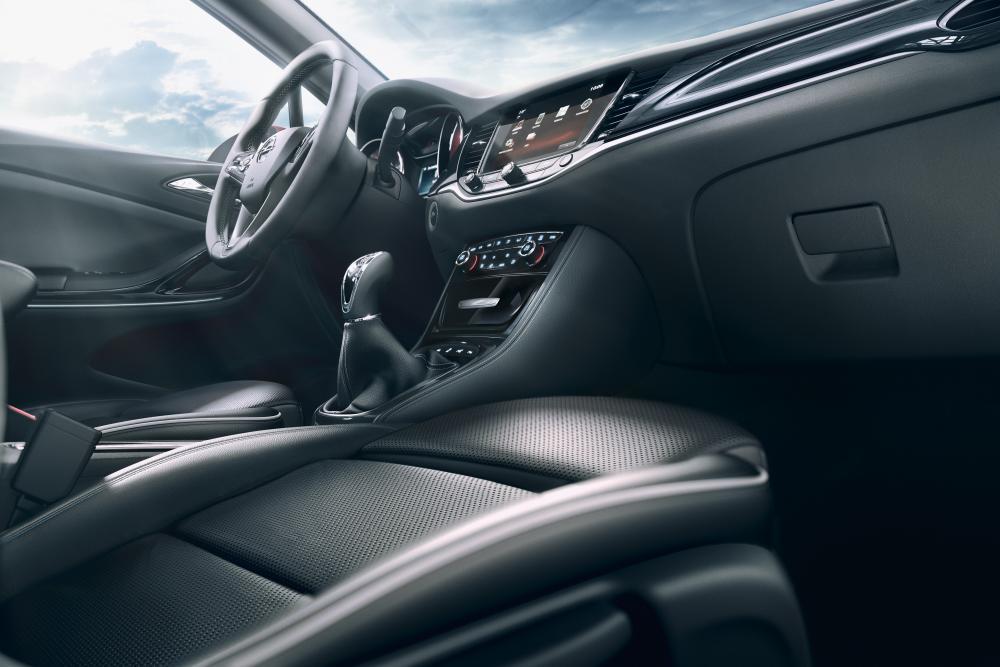 Opel Astra K (2015-2018) Универсал интерьер