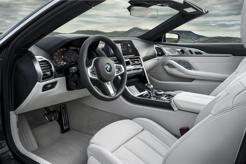 BMW 8 серия 2 поколение G14 (2018) Кабриолет интерьер