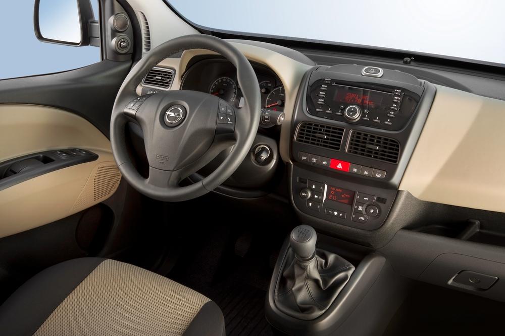 Opel Combo 3 поколение D (2011-2018) Tour минивэн интерьер