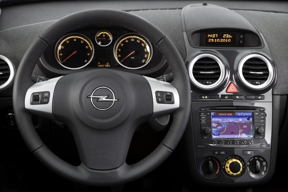 Opel Corsa 4 поколение D [рестайлинг] (2010-2014) Хетчбэк 3-дв. интерьер