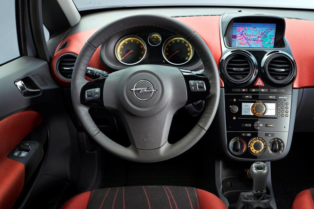 Opel Corsa 4 поколение D (2006-2011) Хетчбэк 5-дв. интерьер