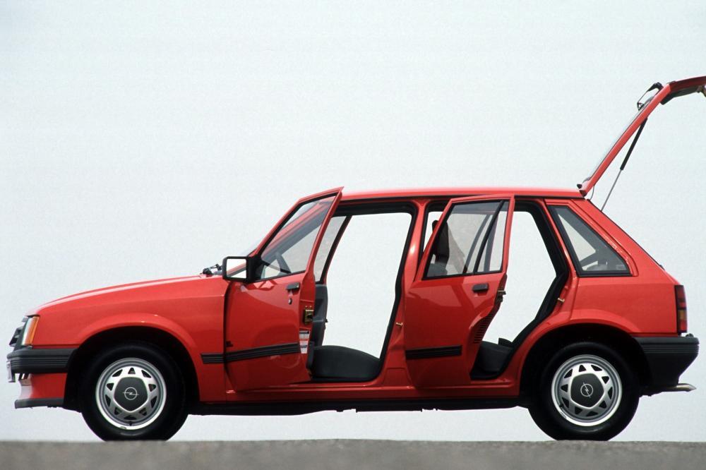 Opel Corsa 1 поколение A (1985-1987) Хетчбэк 5-дв.