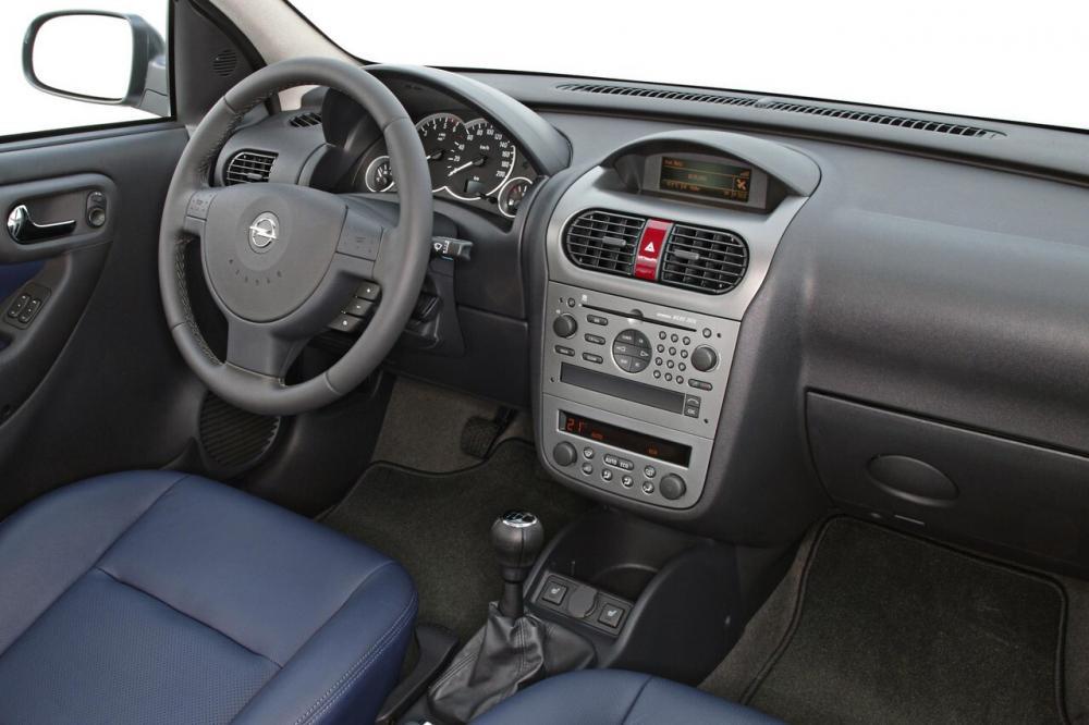 Opel Corsa 3 поколение C [рестайлинг] (2003-2006) Хетчбэк 5-дв. интерьер
