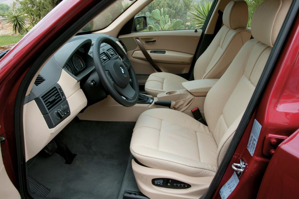 BMW X3 1 поколение E83 (2003-2006) Кроссовер интерьер