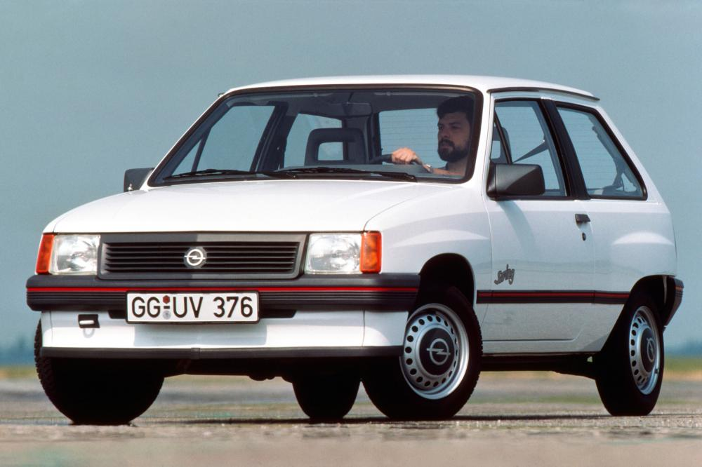 Opel Astra 1 поколение A [рестайлинг] (1987-1990)