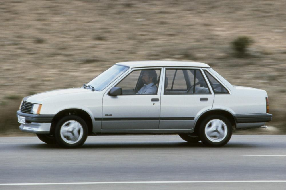 Opel Corsa 1 поколение A (1985-1987) Седан 4-дв.