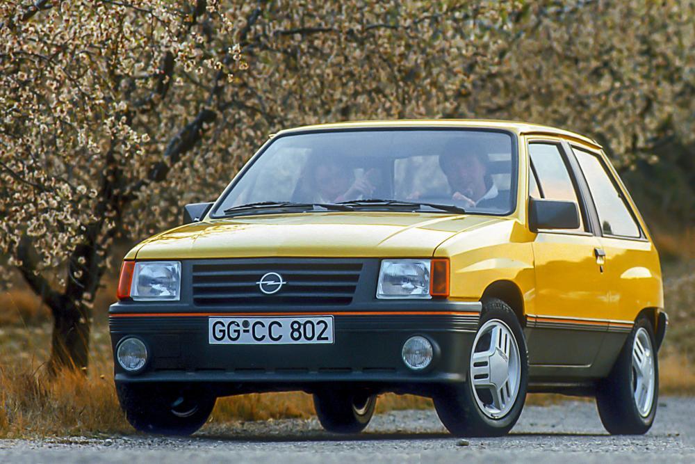 Opel Corsa 1 поколение A (1985-1987) GT хетчбэк 3-дв.