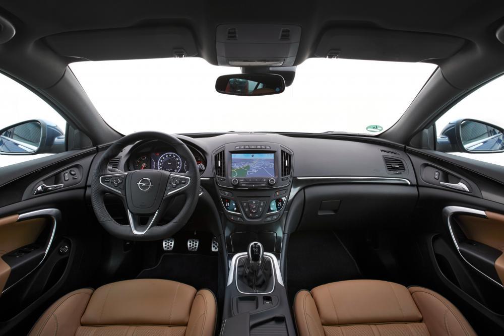 Opel Insignia A рестайлинг (2013-2018) Country Tourer универсал 5-дв. интерьер