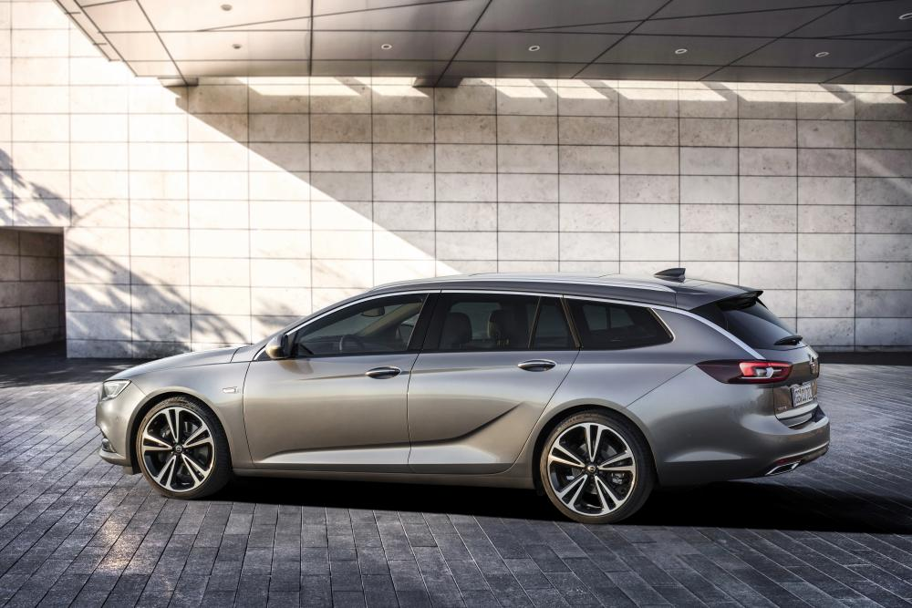 Opel Insignia B Sports Tourer универсал 5-дв.