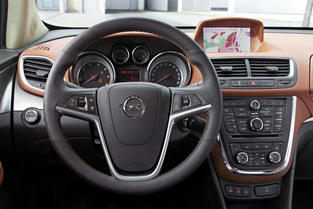 Opel Mokka 1 поколение Кроссовер интерьер