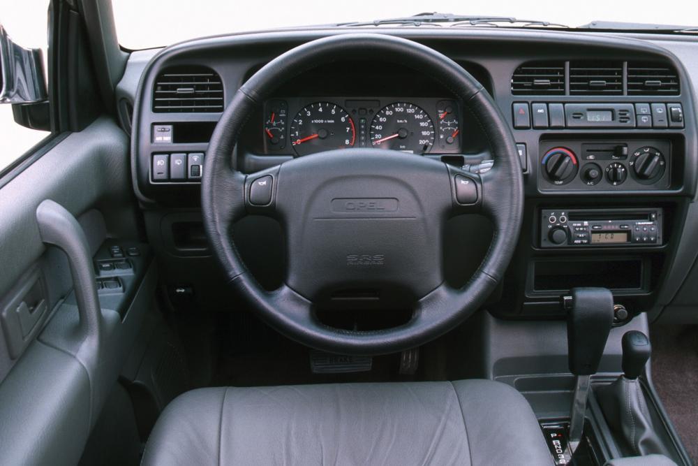 Opel Monterey 1 поколение [рестайлинг] (1998-1999) Внедорожник 5-дв. интерьер