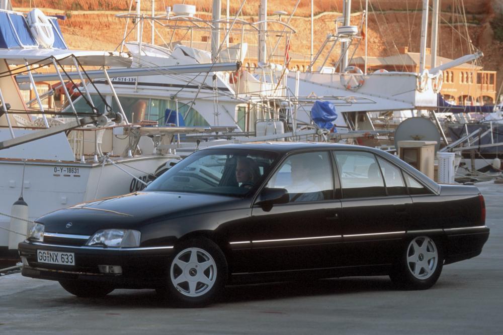 Opel Omega 1 поколение A [рестайлинг] (1990-1994) Седан