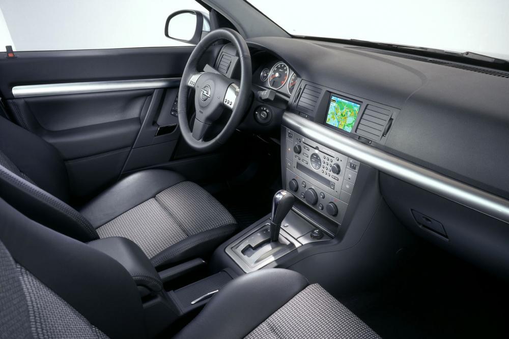Opel Signum 1 поколение C (2003-2005) Хэтчбек интерьер