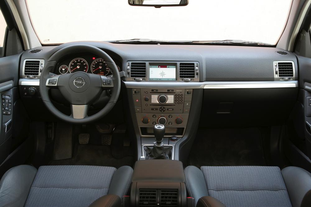 Opel Signum 1 поколение C [рестайлинг] (2005-2008) Хетчбэк интерьер