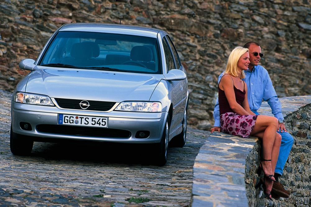 Opel Vectra 2 поколение B [рестайлинг] (1999-2002) Седан 4-дв.