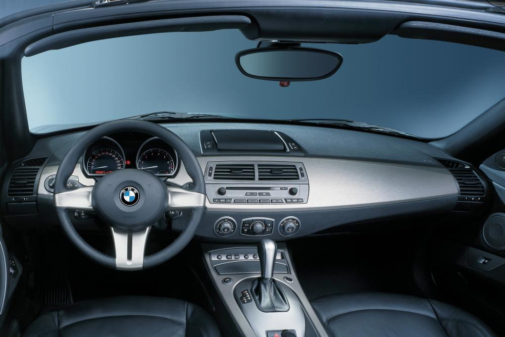 BMW Z4 1 поколение E85 (2002-2005) Родстер интерьер