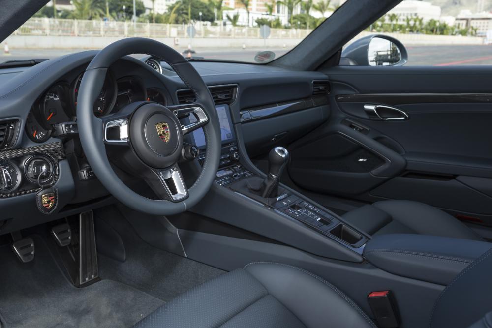 Porsche 911 7 поколение 991 [рестайлинг] (2016-2019) Carrera кабриолет 2-дв. интерьер