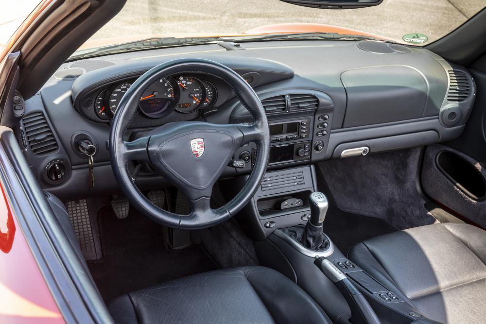 Porsche 911 5 поколение 996 [рестайлинг] (2001-2005) Кабриолет интерьер
