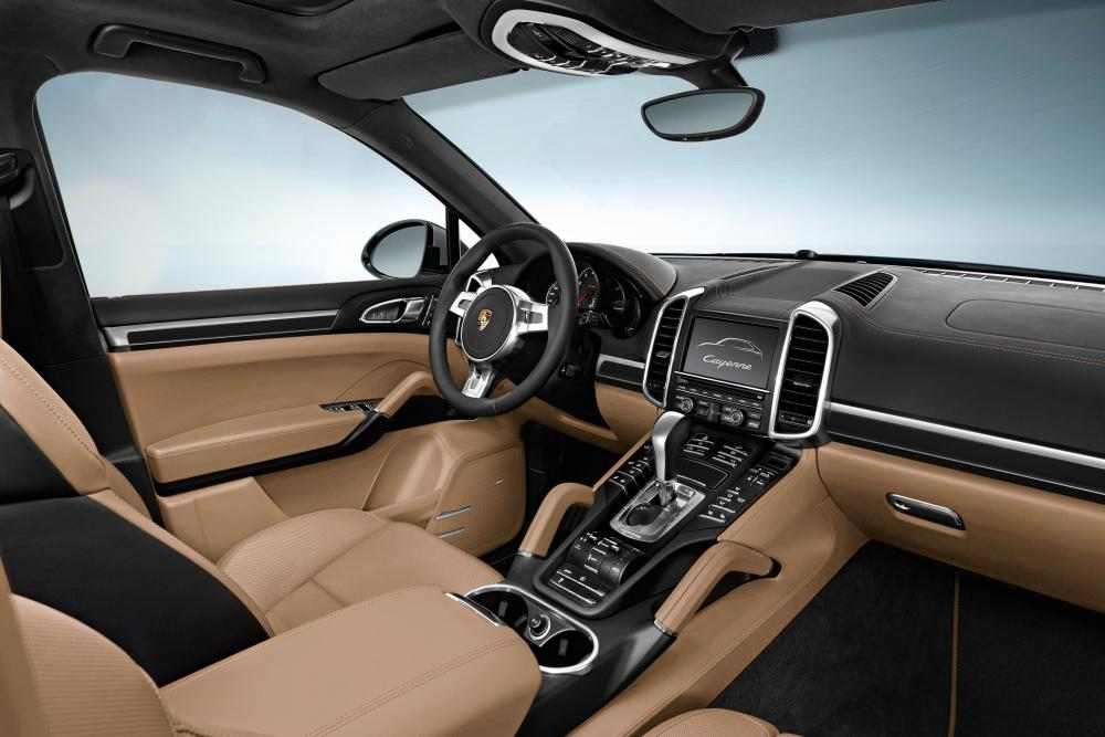Porsche Cayenne 2 поколение 958 (2010-2014) Кроссовер интерьер