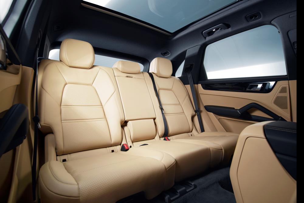 Porsche Cayenne 3 поколение интерьер