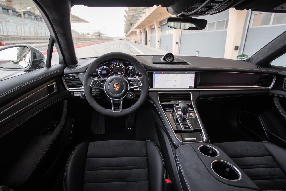 Porsche Panamera 971 Sport Turismo универсал интерьер