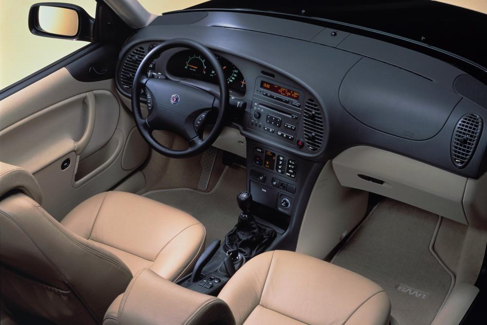 Saab 9-3 1 поколение Хетчбэк интерьер