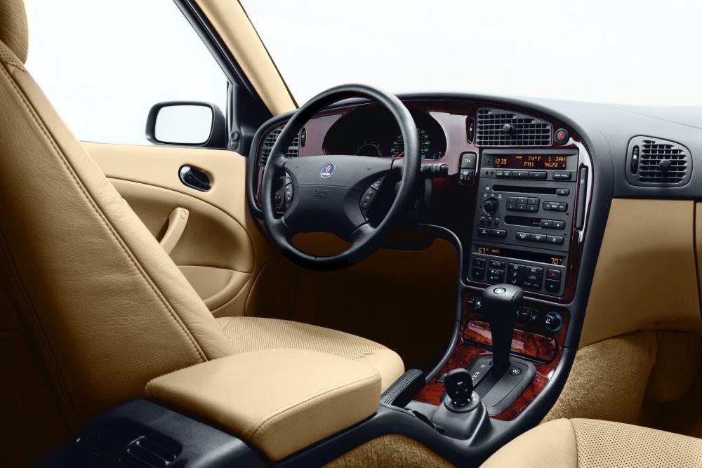 Saab 9-5 1 поколение Седан интерьер