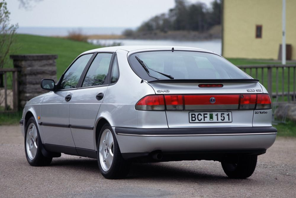 Saab 900 2 поколение Хетчбэк