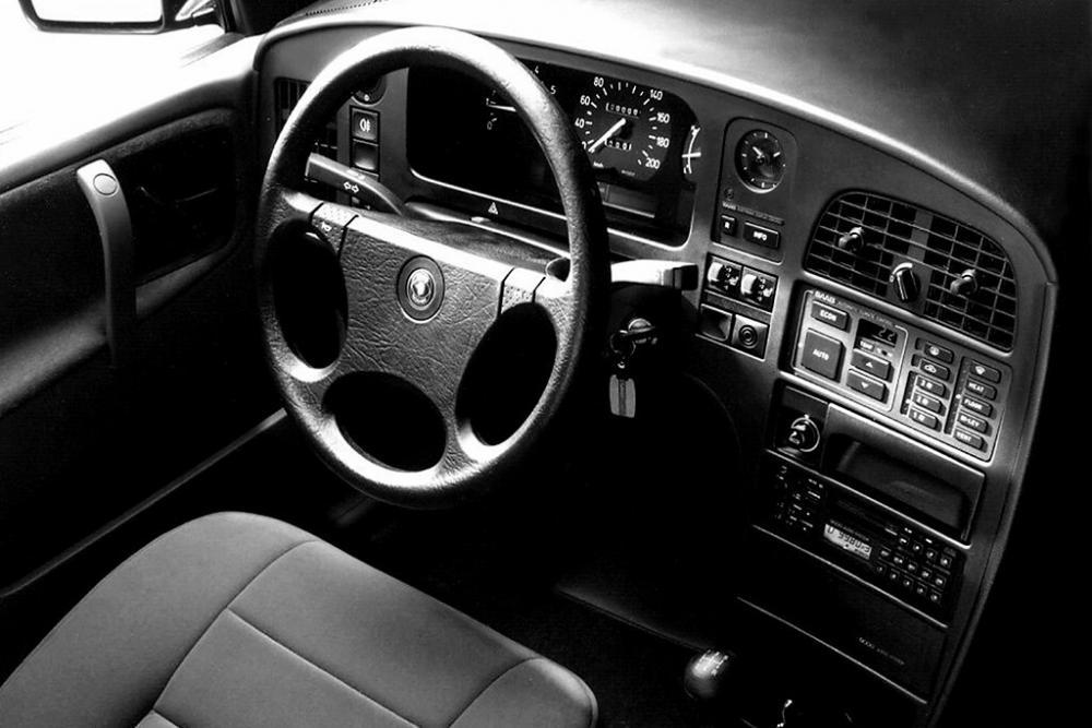 Saab 9000 1 поколение седан интерьер