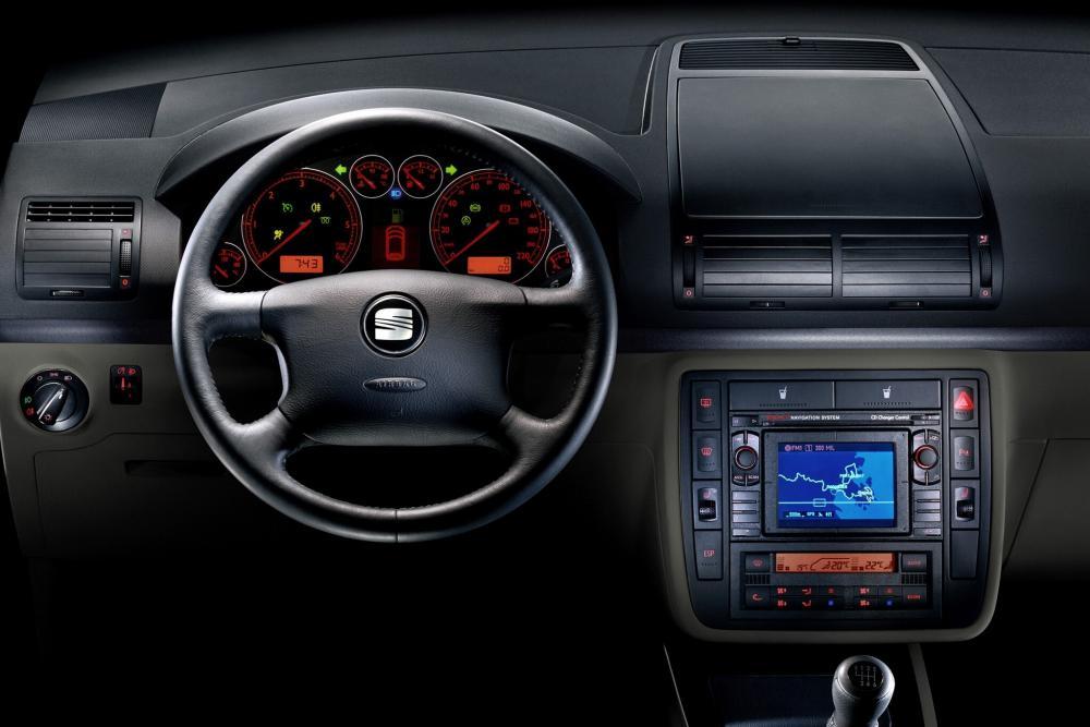 SEAT Alhambra 1 поколение рестайлинг (2000-2010) Минивэн интерьер