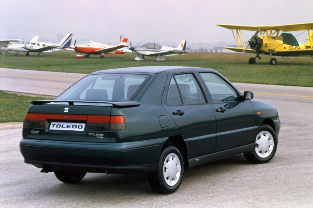 SEAT Toledo 1 поколение (1991-1999) Лифтбэк