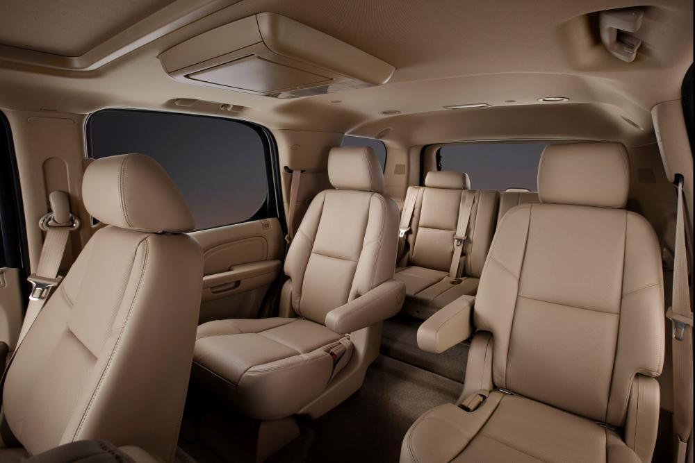 Cadillac Escalade 3 поколение интерьер