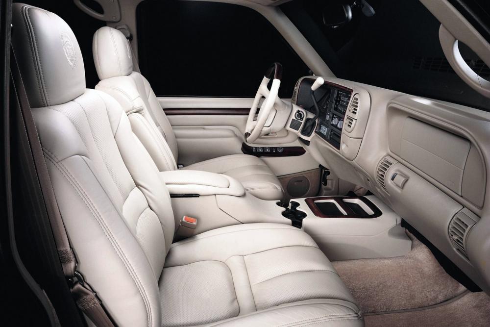 Cadillac Escalade 1 поколение интерьер