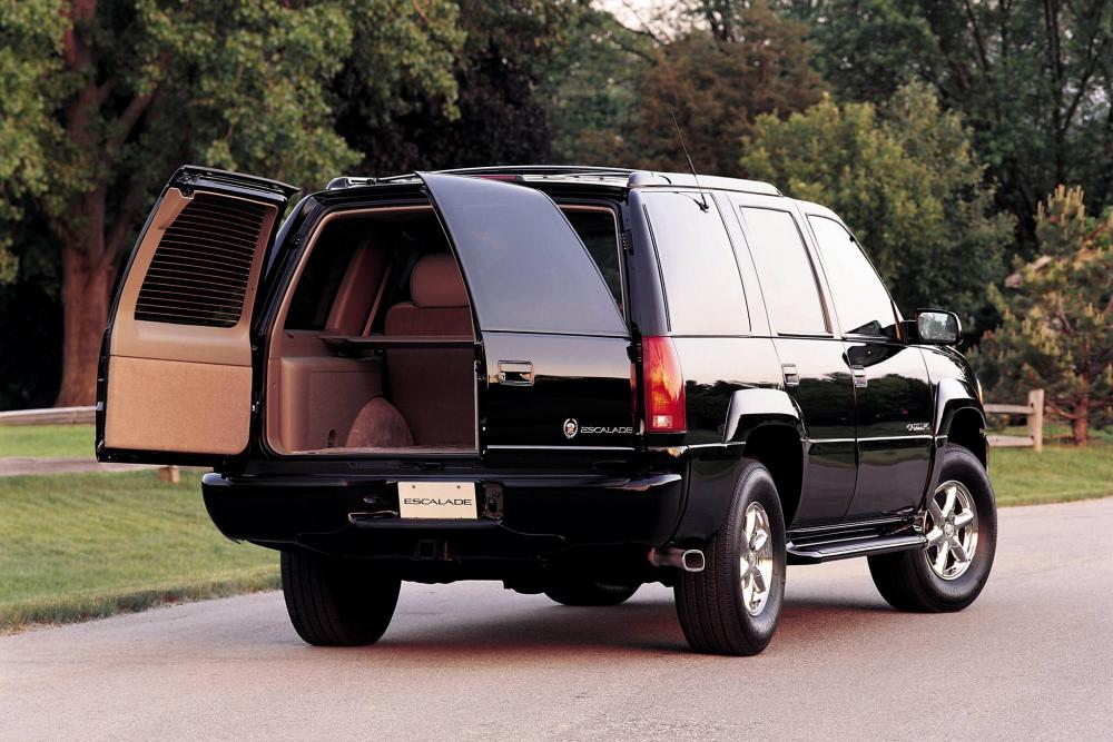 Cadillac Escalade 1 поколение