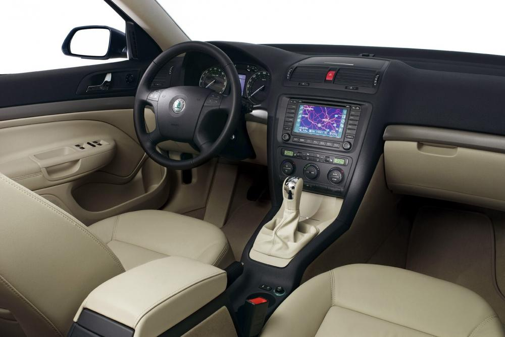 Skoda Octavia 2 поколение (2004-2008) Combi универсал 5-дв. интерьер