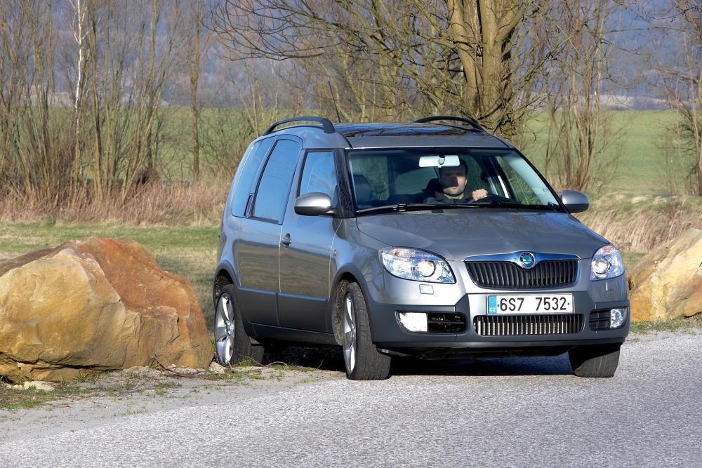 Skoda Roomster 1 поколение (2006-2010) Scout минивэн 5-дв.