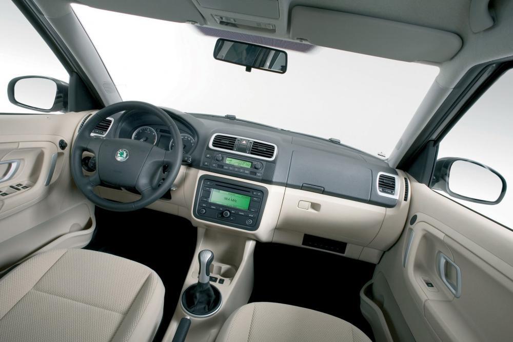 Skoda Roomster 1 поколение (2006-2010) Минивэн 5-дв. интерьер