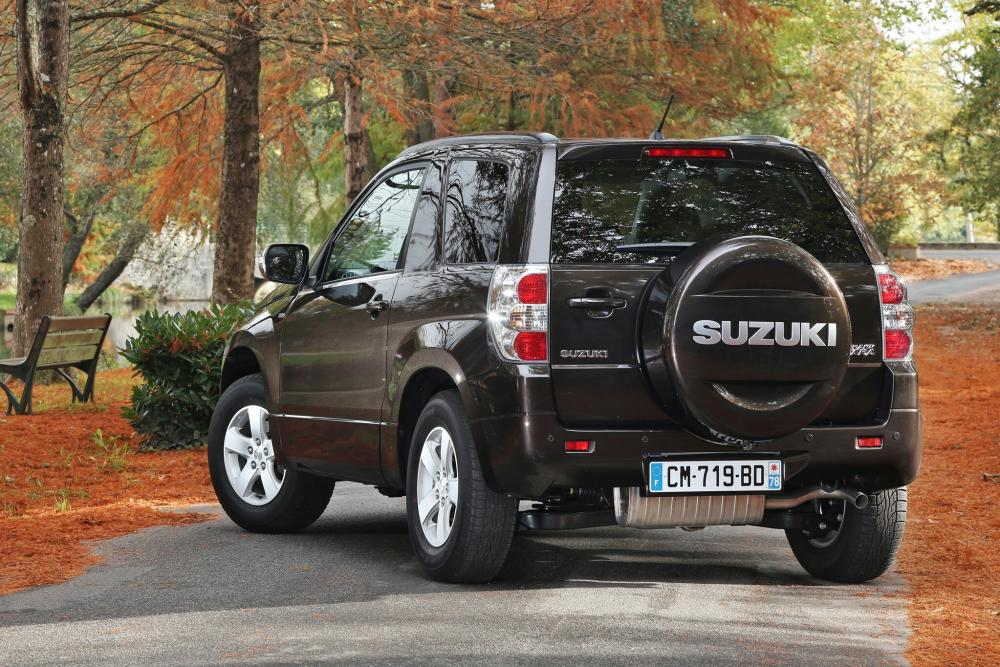 Suzuki Grand Vitara 2 поколение [2-й рестайлинг] (2012-2014) Кроссовер 3-дв.
