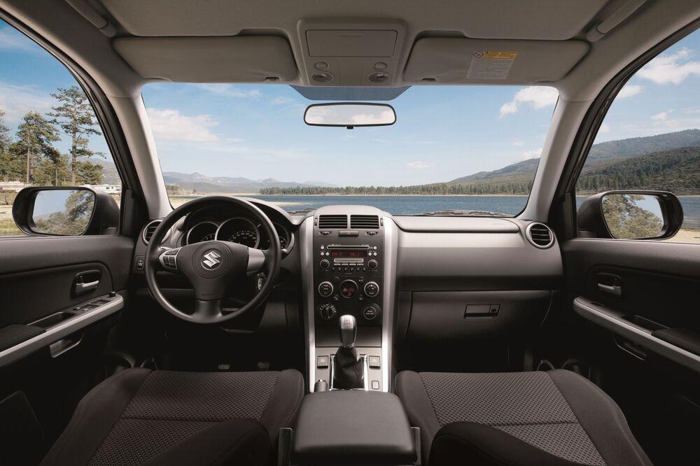 Suzuki Grand Vitara 2 поколение [рестайлинг] (2008-2012) Кроссовер 5-дв. интерьер