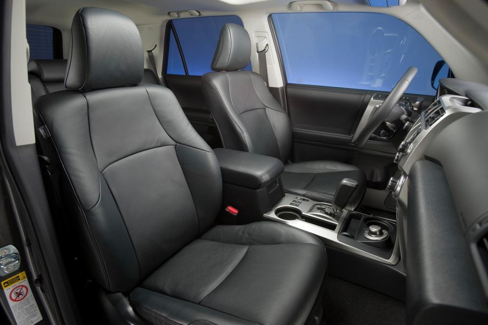 Toyota 4Runner 5 поколение (2009-2013) Внедорожник интерьер