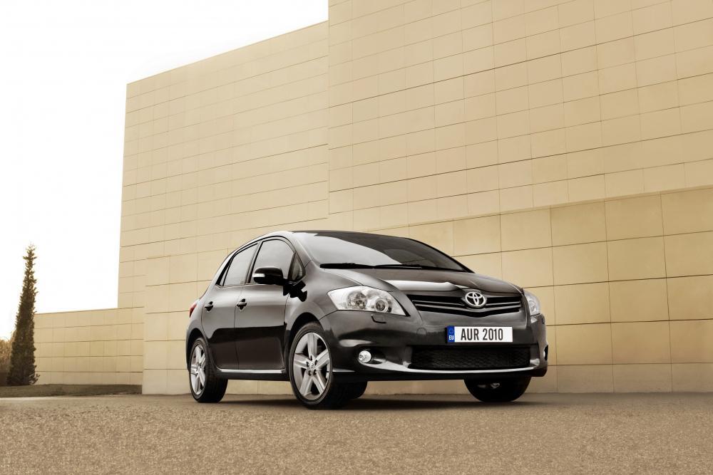 Toyota Auris 1 поколение [рестайлинг] (2010-2012) Хетчбэк 5-дв.